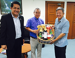 Kantary Hotel, Kabinburi and Kantary Hotel, 304 Prachinbur Presents New Year's Gift to Prachinburi Provincial Governor