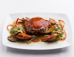 Steamed Crab with Soy Sauce  At Classic Kameo Hotel, Ayutthaya